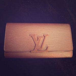 Louis Vuitton epi rose wallet